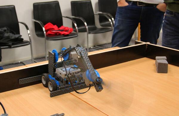 Roboti ehitus ja võistlus